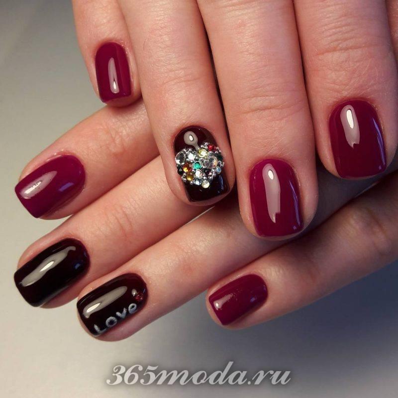 черно красный дизайн ногтей со стразами фото