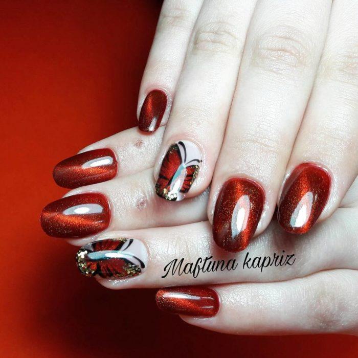 дизайн черно красных ногтей 2020 со стразами