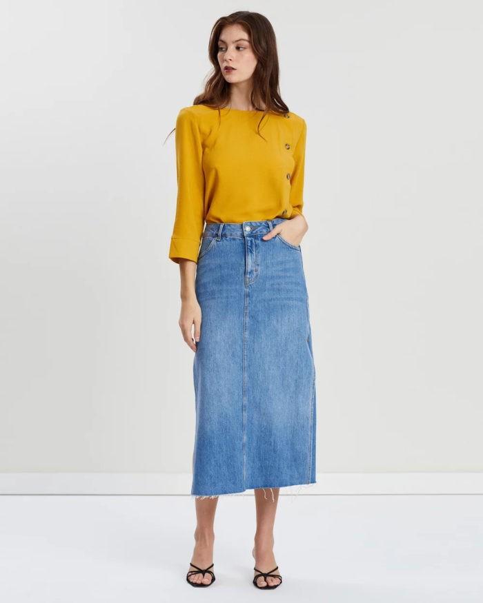 желтая блузка синяя юбка джинсовая