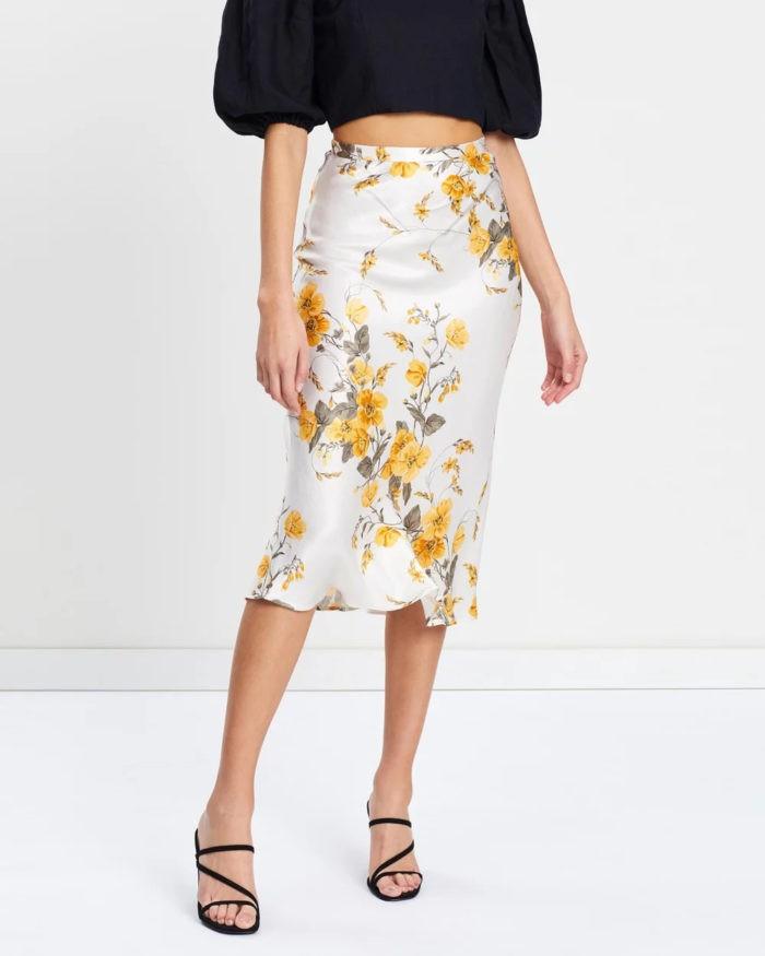 юбки 2019-2020: белая миди принт желтые цветы