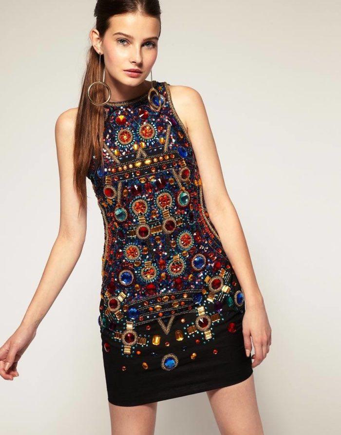 как украсить новогоднее платье