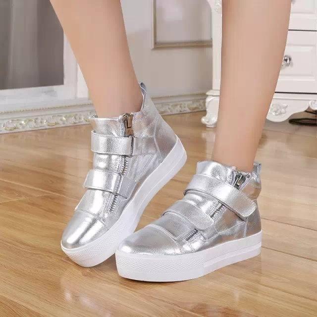 модная обувь в спортивном стиле