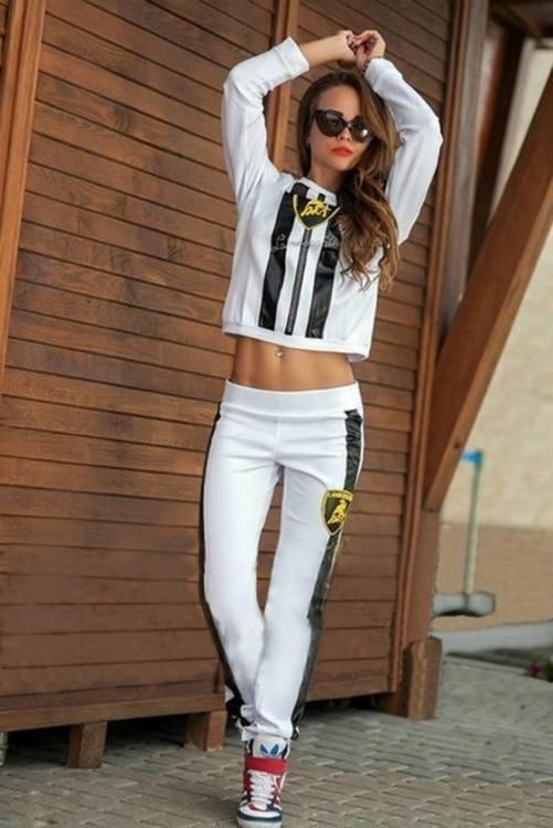 спортивный костюм белый