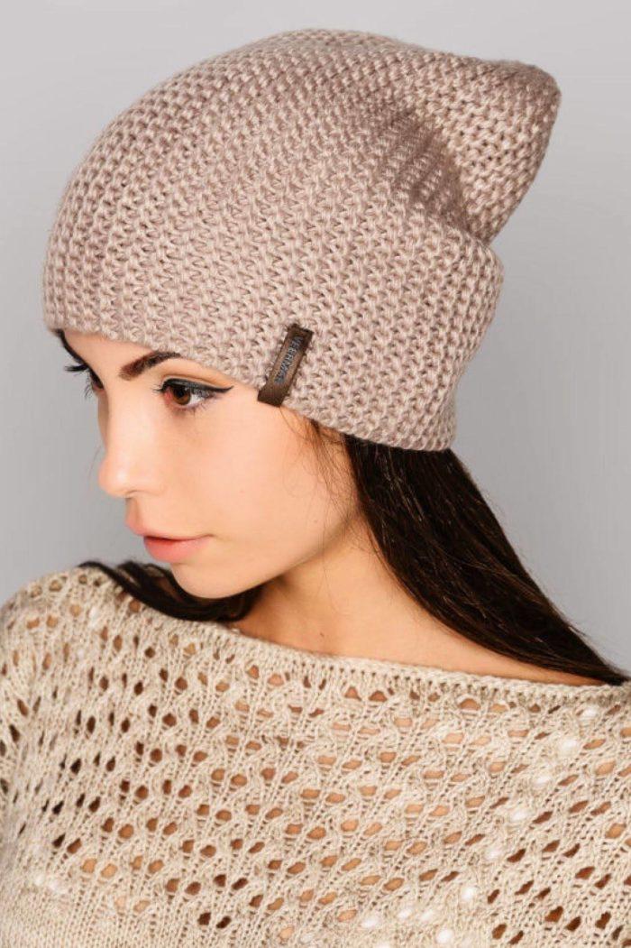 модные головные уборы осень-зима: шапки бини