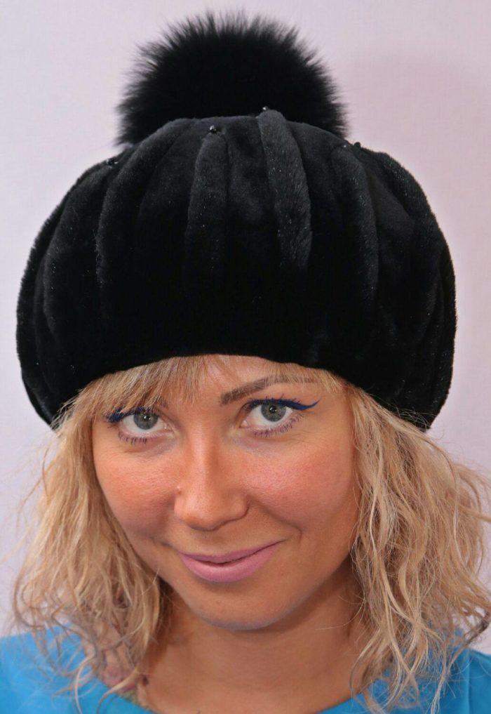 модные головные уборы осень-зима: шапки из меха