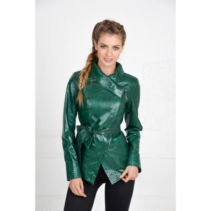зеленая кожаная куртка