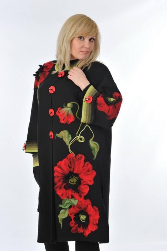 пальто весна 2019: модное с вышивкой