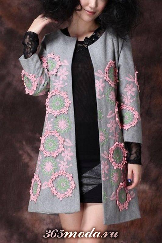 пальто с декором