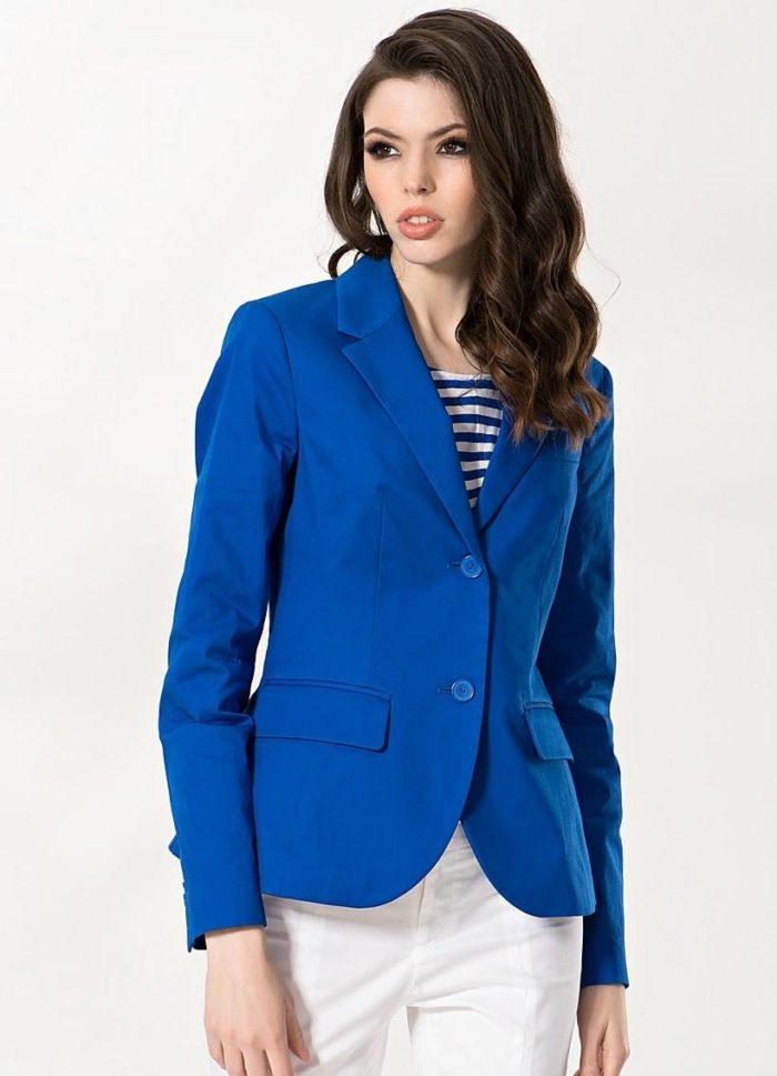модные пиджаки осень-зима 2019-2020: классический синего цвета