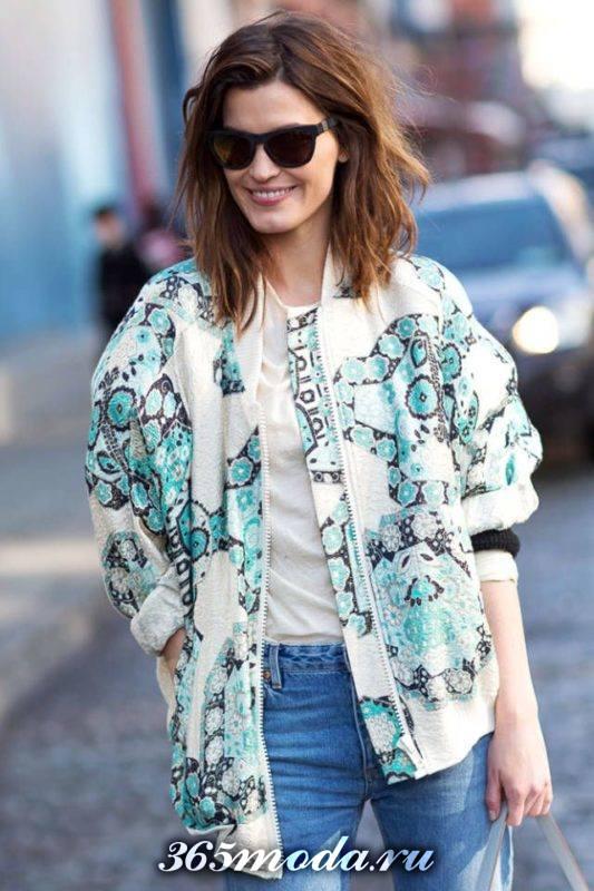 цветочная куртка в уличном стиле