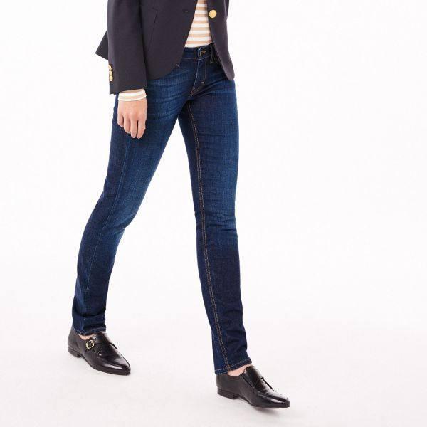 стильный классические джинсы