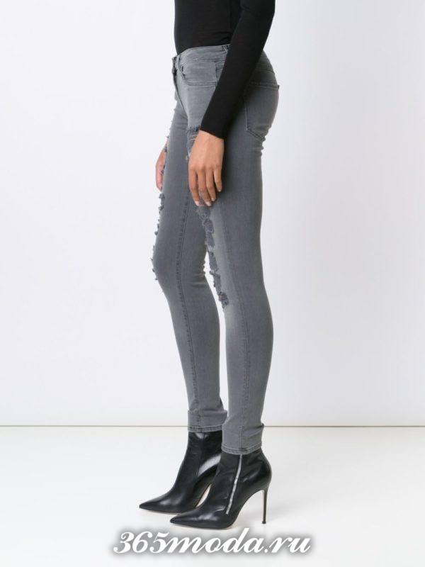джинсы классического стиля
