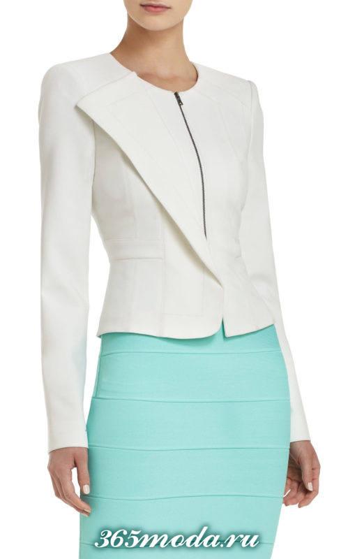 светлый асимметричный пиджак