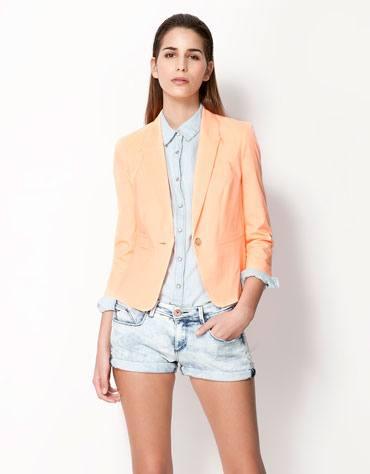 пиджак персикового цвета