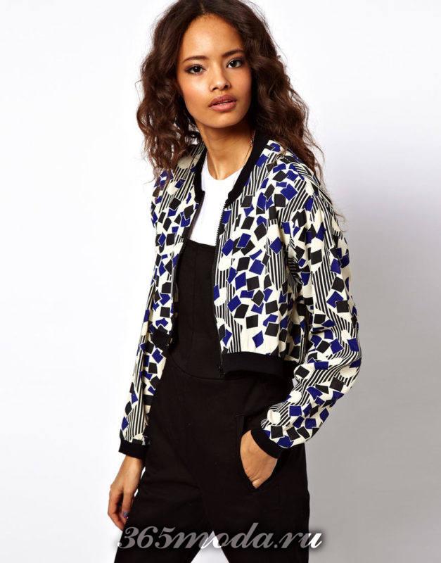 короткий пиджак принт