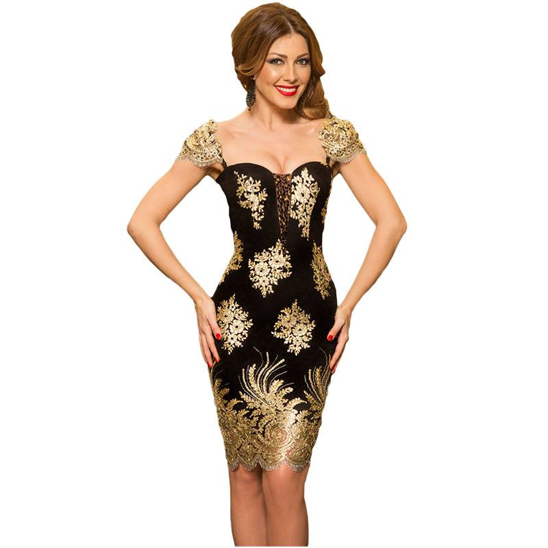 платье с вышивкой на выпускной