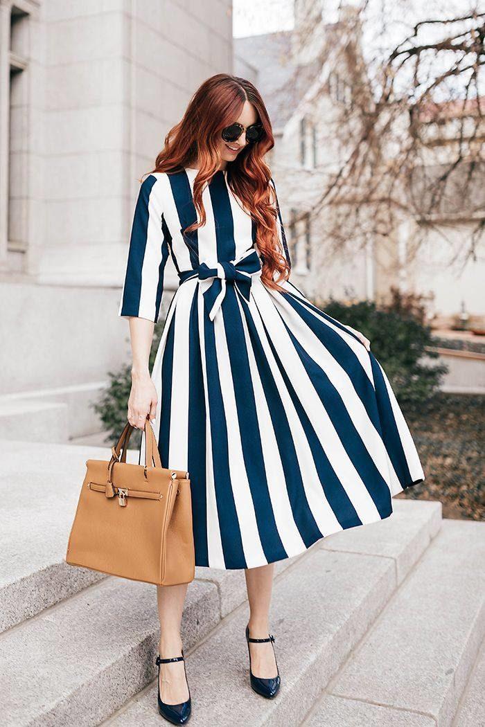 платья весна 2021 в полоску