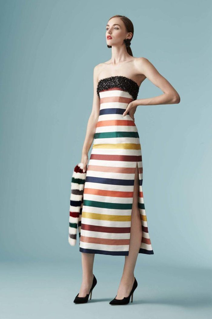 платья весна 2021 модное в полоску