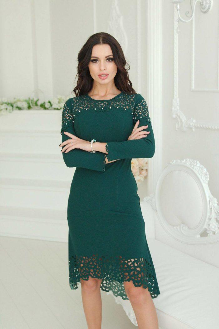 зеленое платье с перфорацией