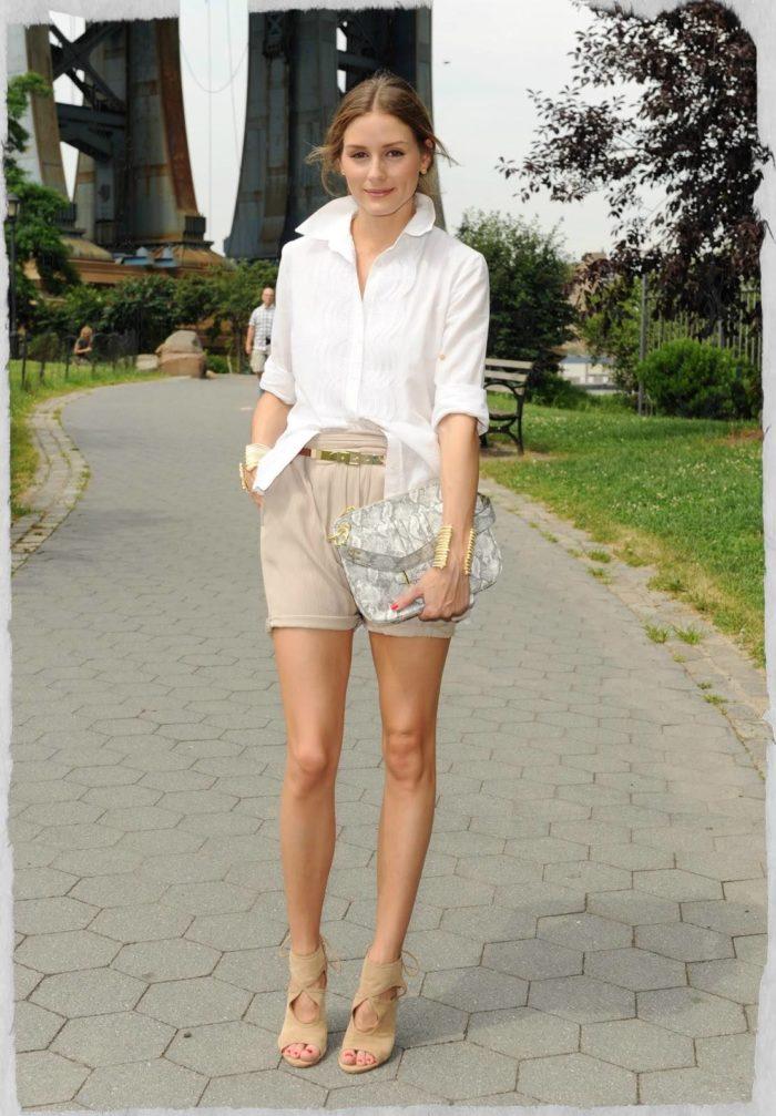 модные классические шорты