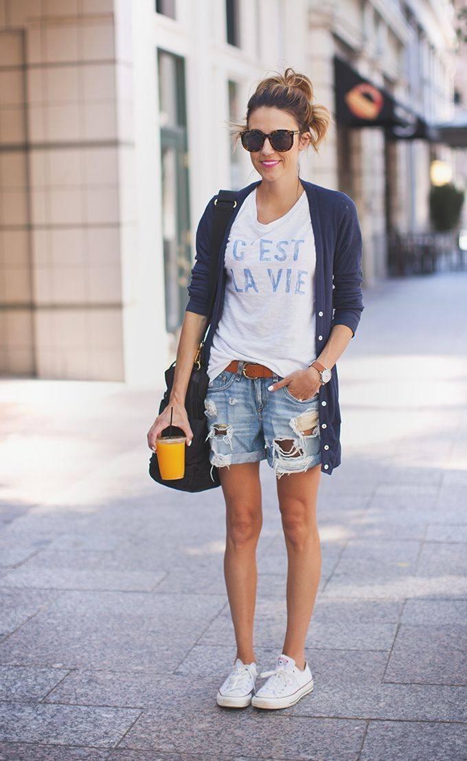 весенний лук с джинсовыми шортами
