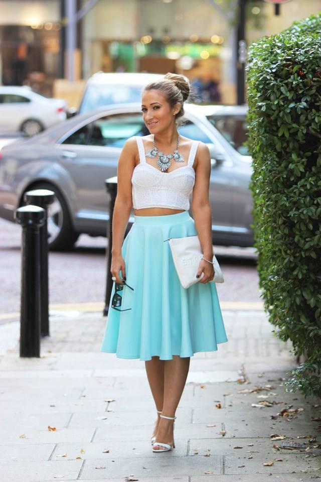 голубая летняя юбка
