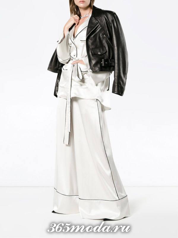 белые широкие брюки с курткой