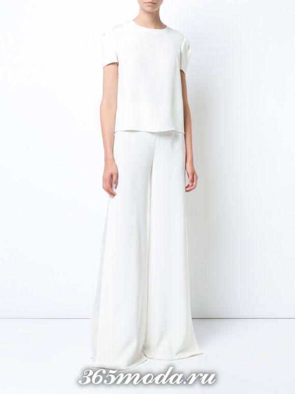 белые широкие брюки с блузкой