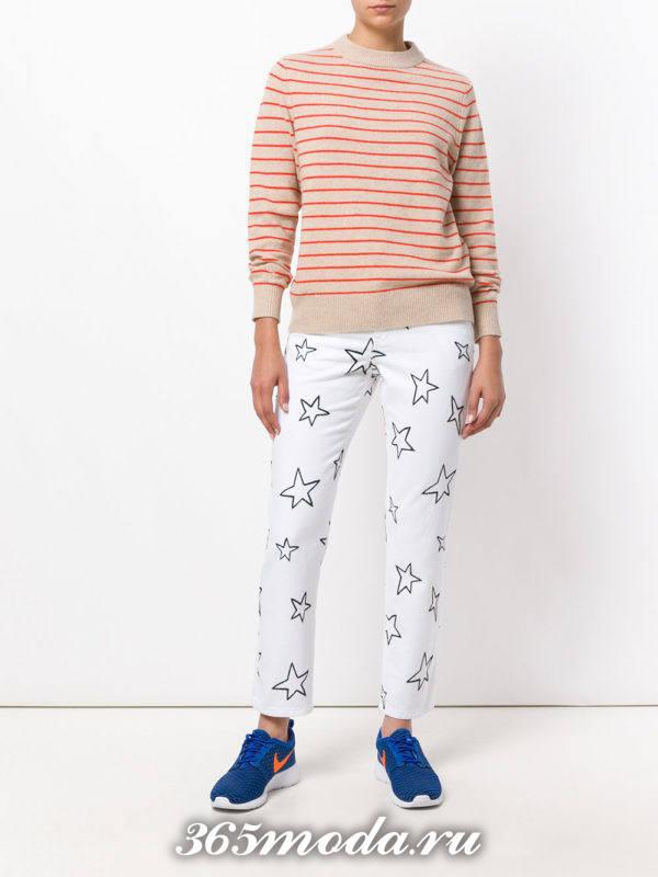 белые джинсы с рисунком