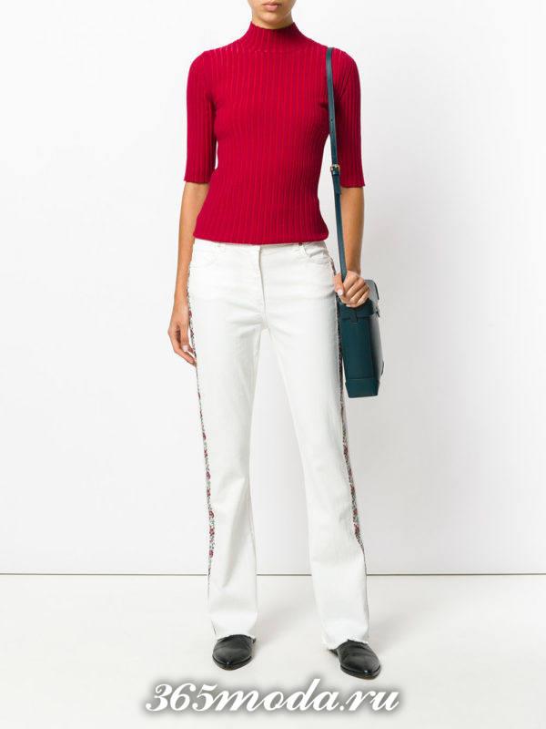 белые джинсы с лампасами