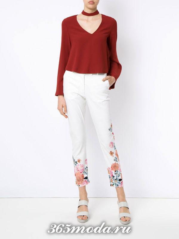женские белые брюки с красной блузой