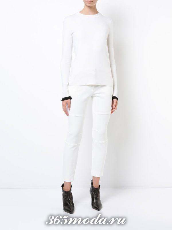 женские белые брюки с ботильонами