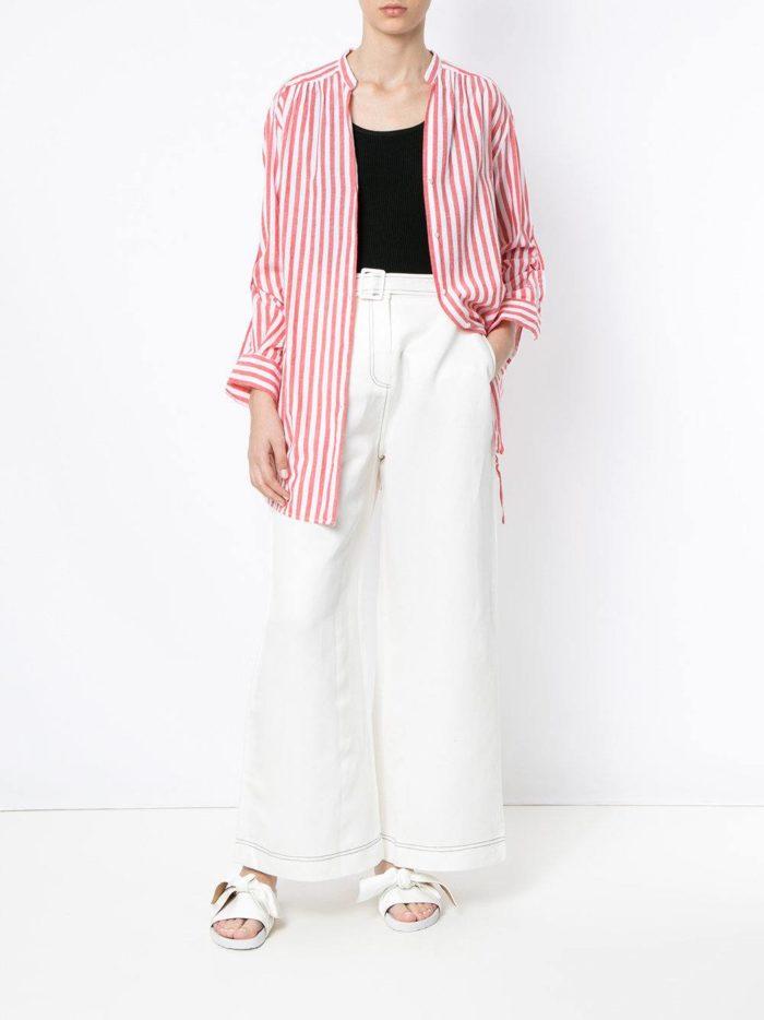 женские белые брюки с рубашкой