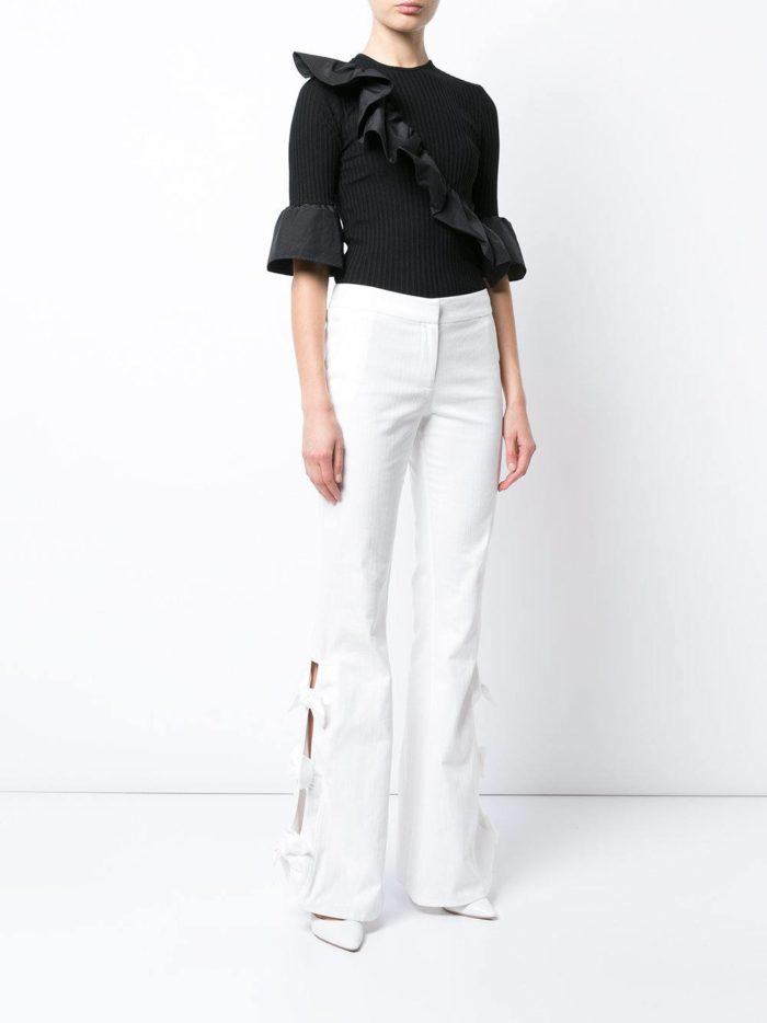 женские белые брюки с блузой