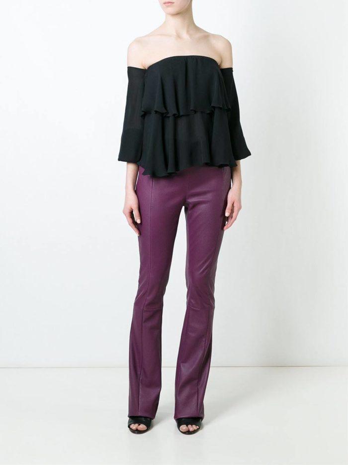 кожаные фиолетовые брюки