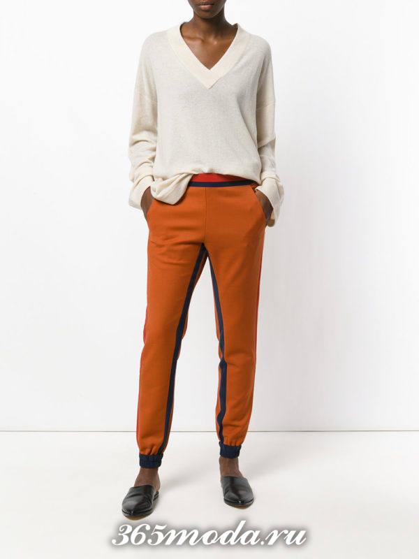 брюки с лампасами цветные