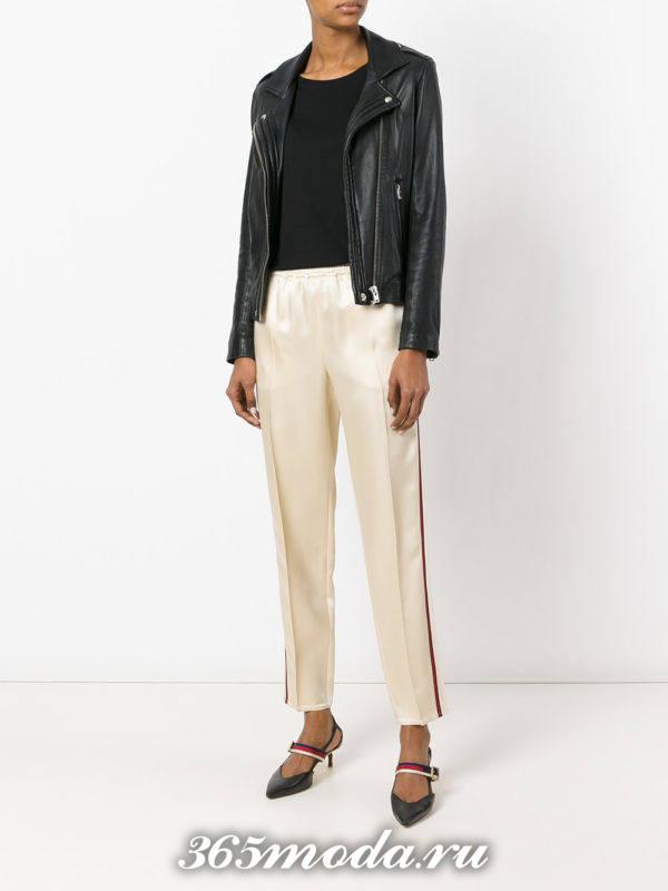 брюки с лампасами светлые