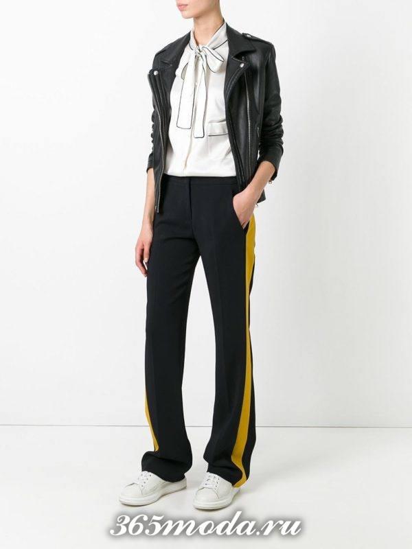 брюки с лампасами черные
