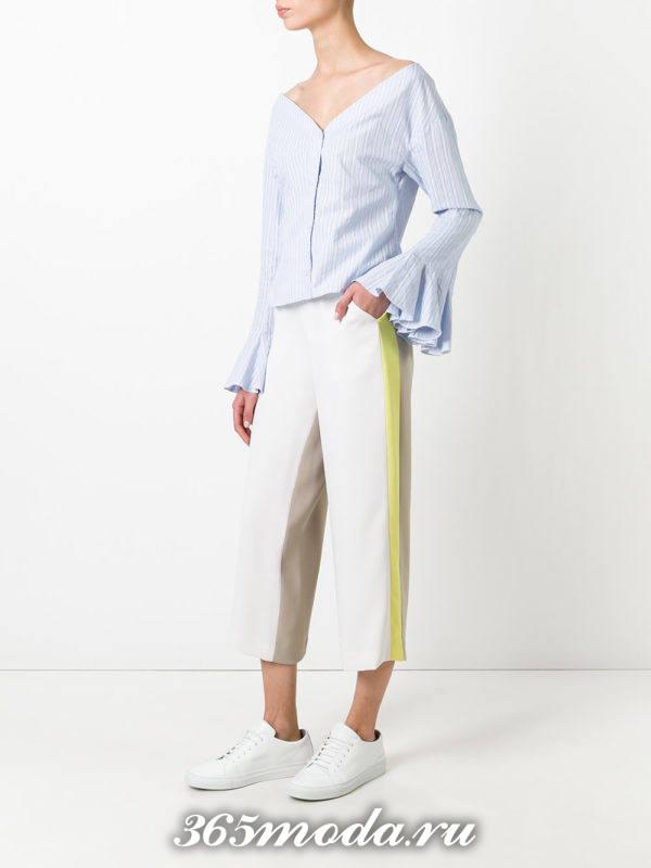 брюки с лампасами укороченые