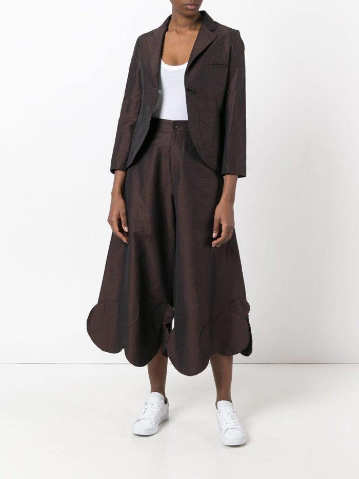 модные женские костюмы 2019-2020 года: с короткими брюками