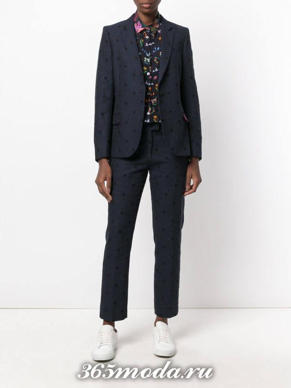 костюм с короткими брюками синий