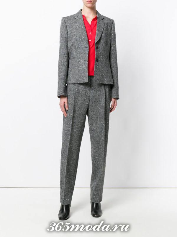 костюм в мужском стиле серый