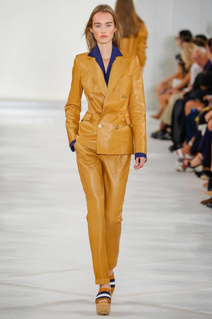 кожаный костюм желтый