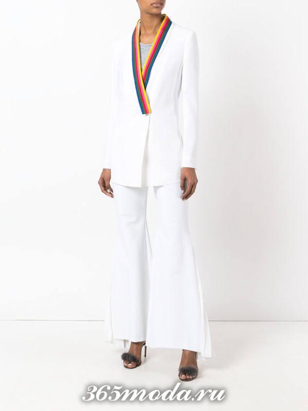 вечерний костюм белый