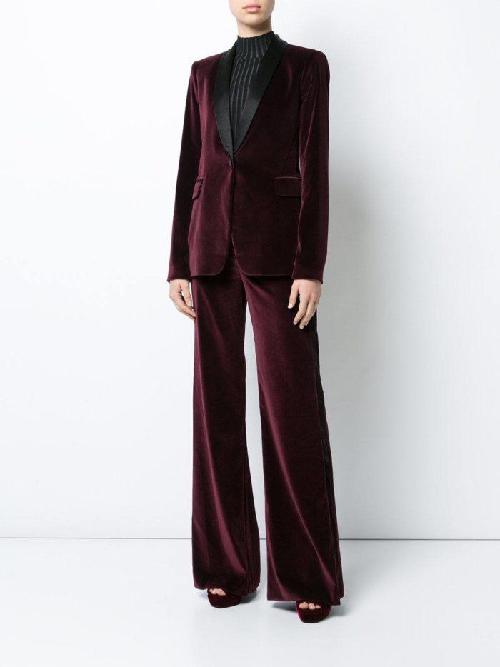 Женские костюмы 2019-2020 года: бархатный бордовый