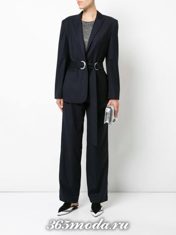 костюм с поясом серый