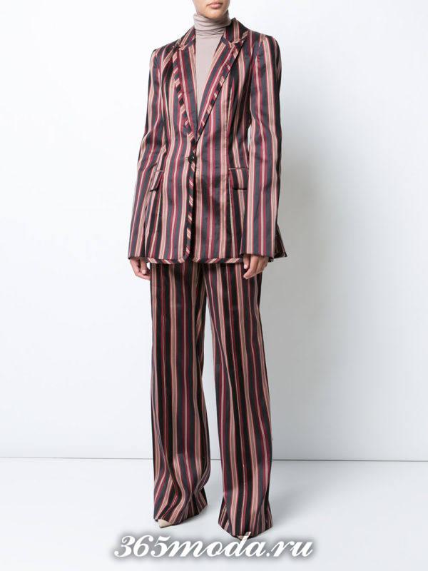 женский костюм полосатый