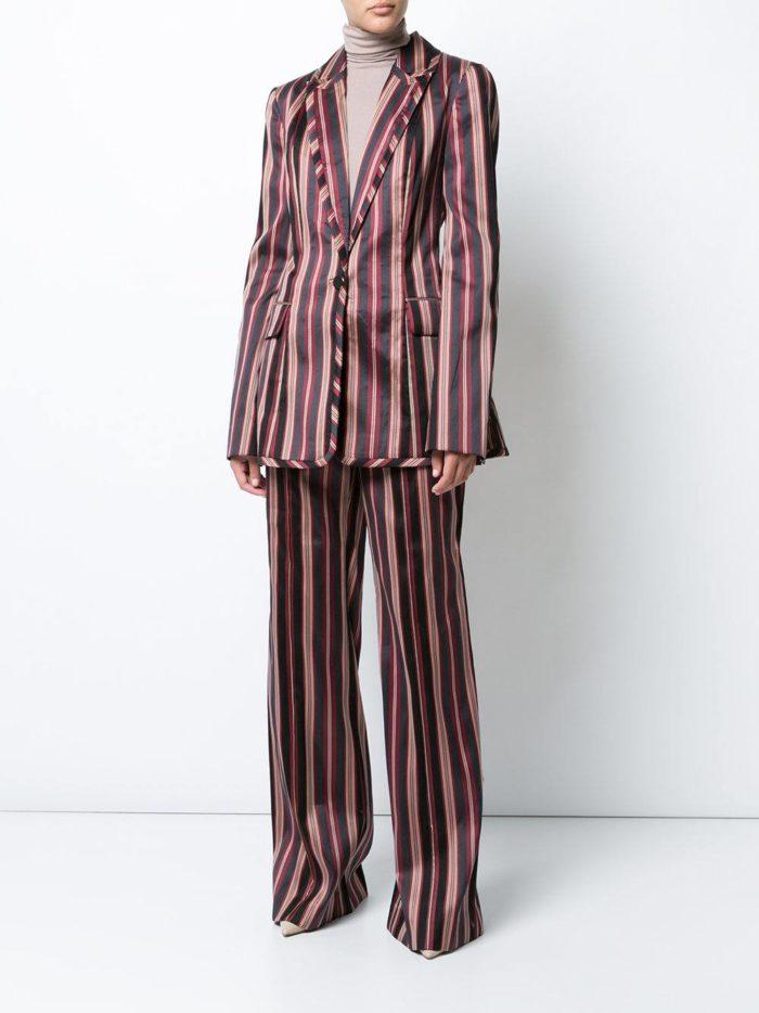 Женские костюмы 2019-2020 года: полосатый