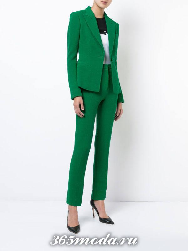 женский костюм зеленый