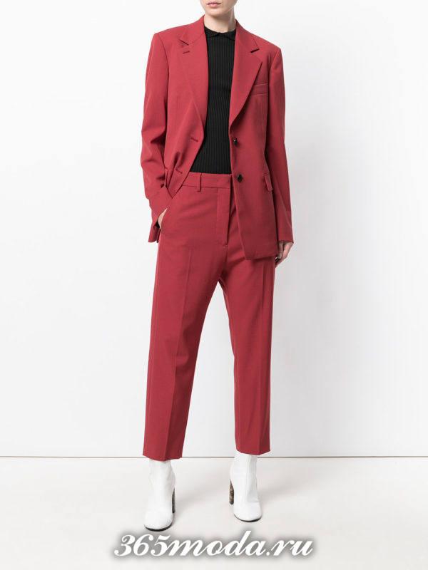 костюм в мужском стиле бордовый